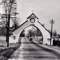 Aylmer-Arch-1946.jpg
